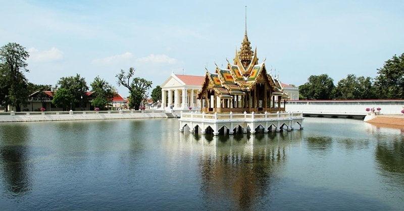 Cung điện mùa hè bang Pa-In